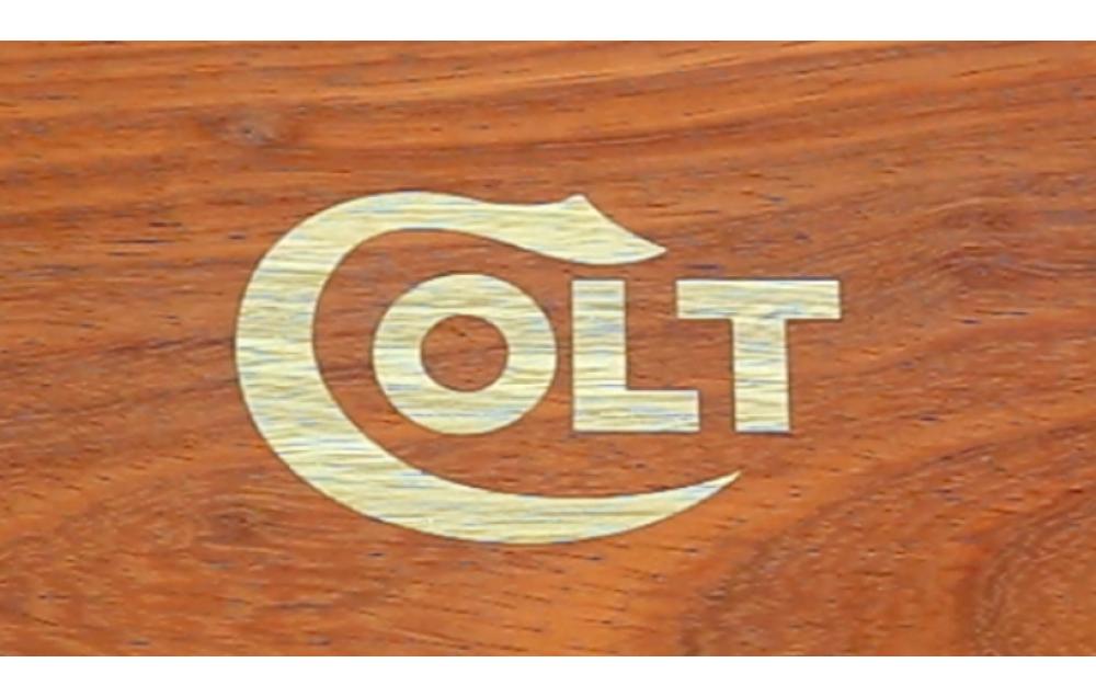 Making a logo for the Colt gun box